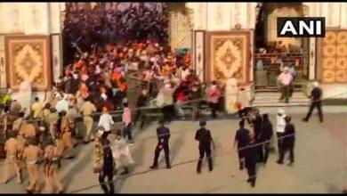 Crowd Attacks Cops Maharashtra Gurudwara, 4 wounded