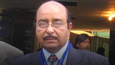 Famous Urdu poet and critic Naqqash Kazmi died of Corona