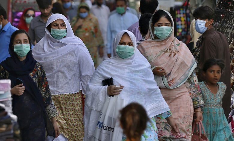 Pakistan records a decline in COVID cases